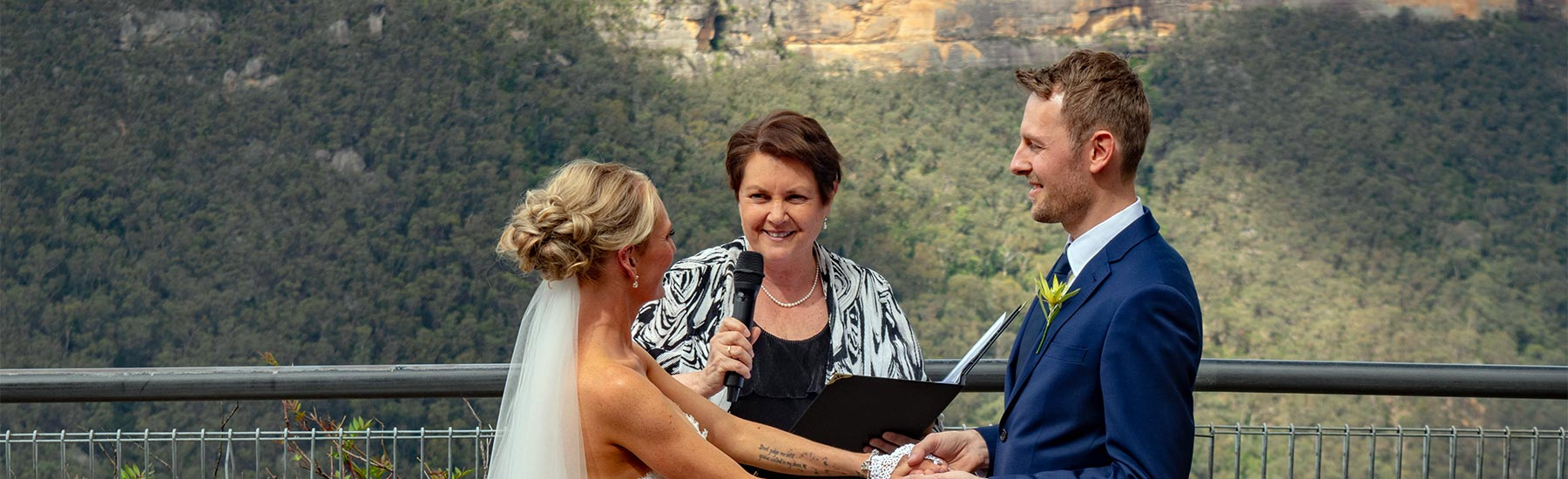 wedding celebrant blue mountains
