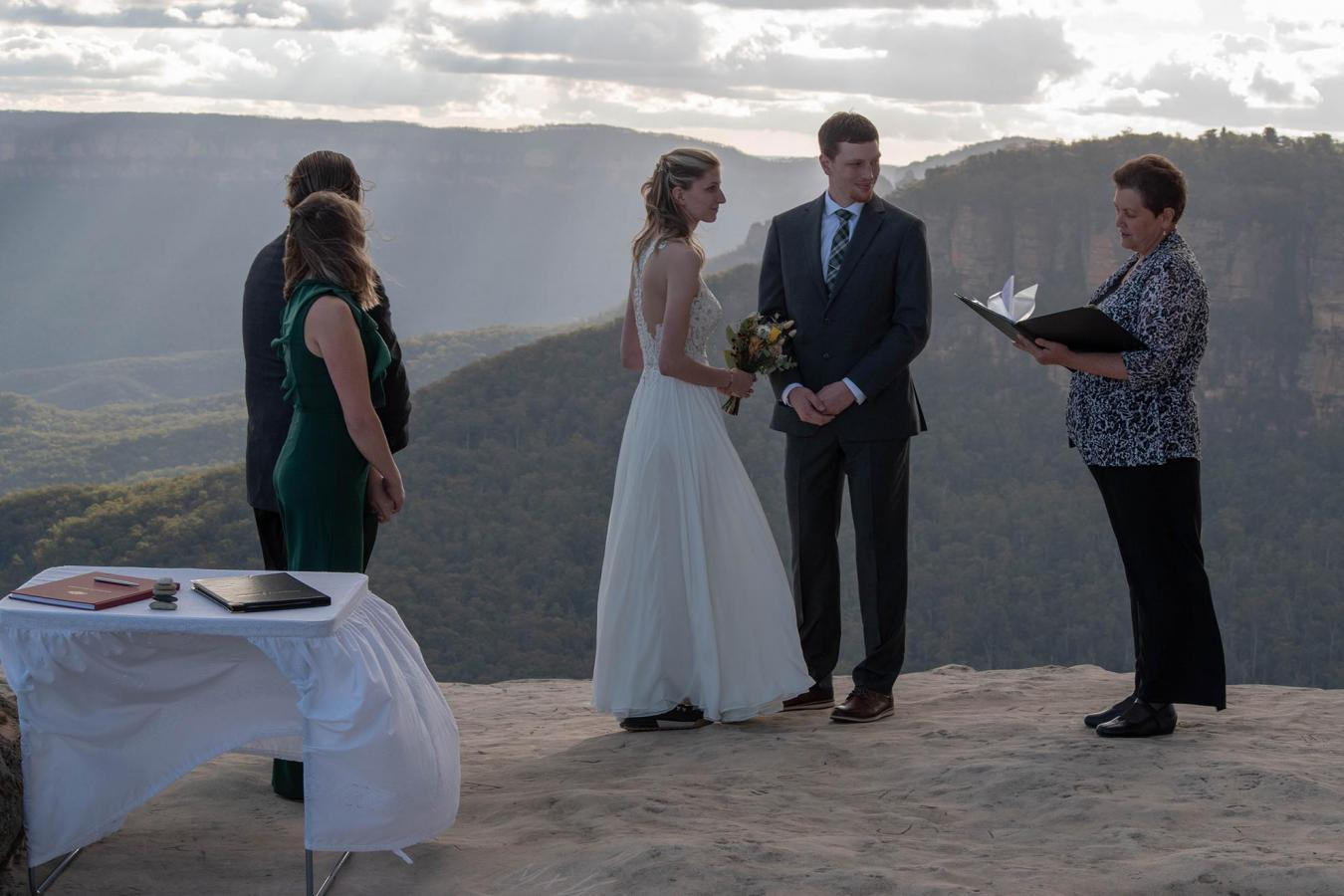 Wedding Celebrant Blue Mountains 36